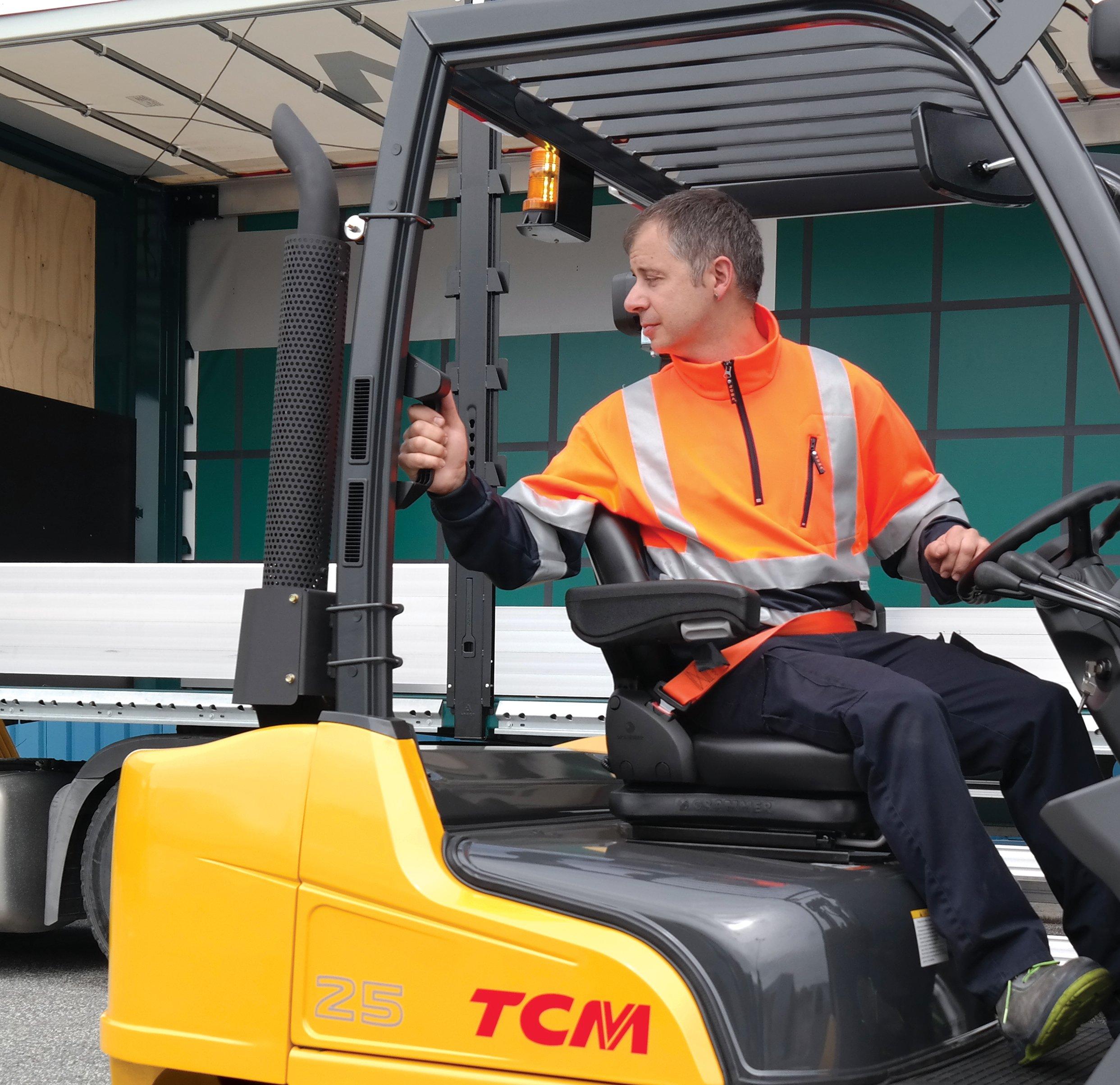 TCM FD25-E2 Driver Reversing working