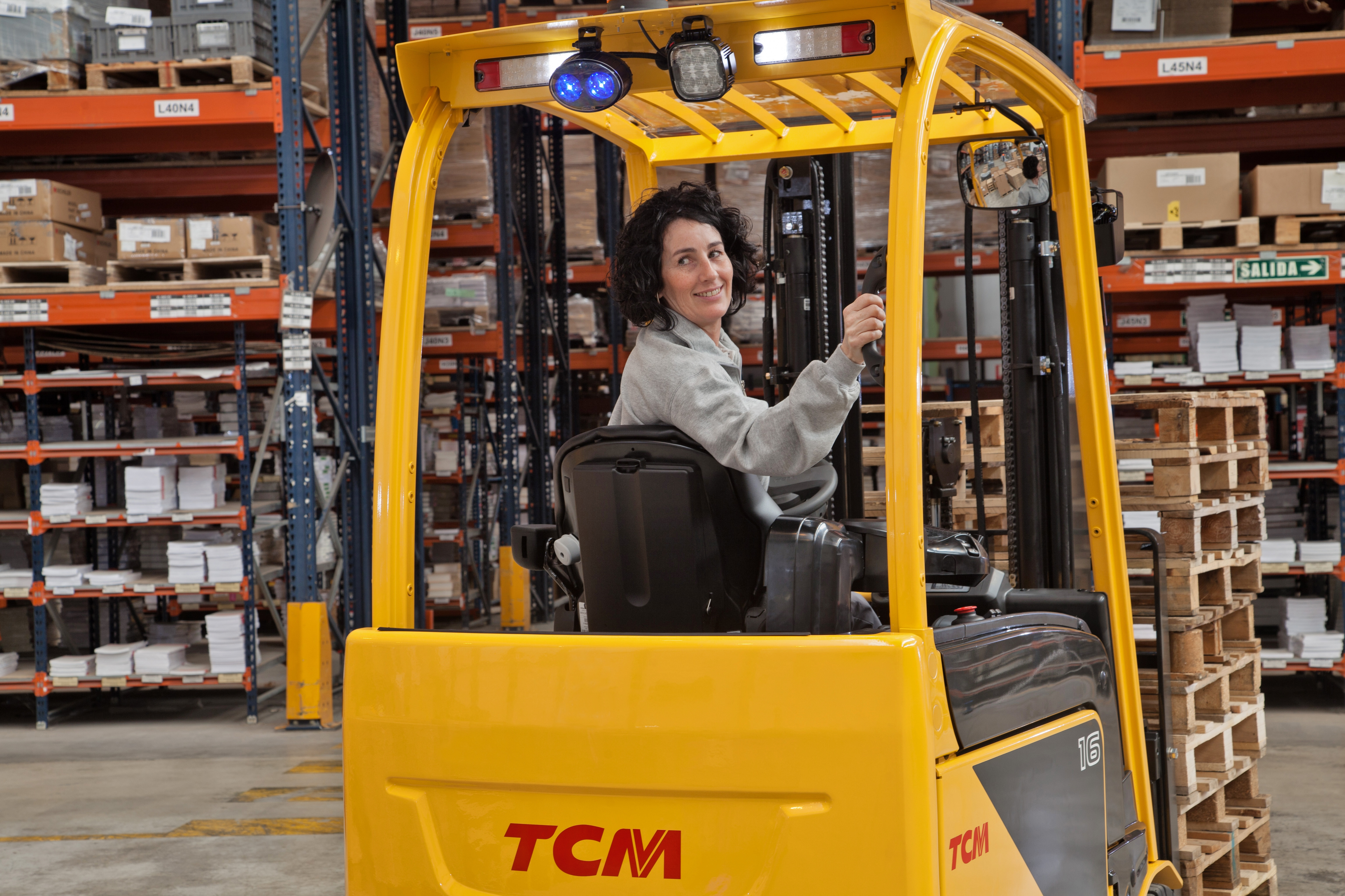 Electric counterbalance forklift truck