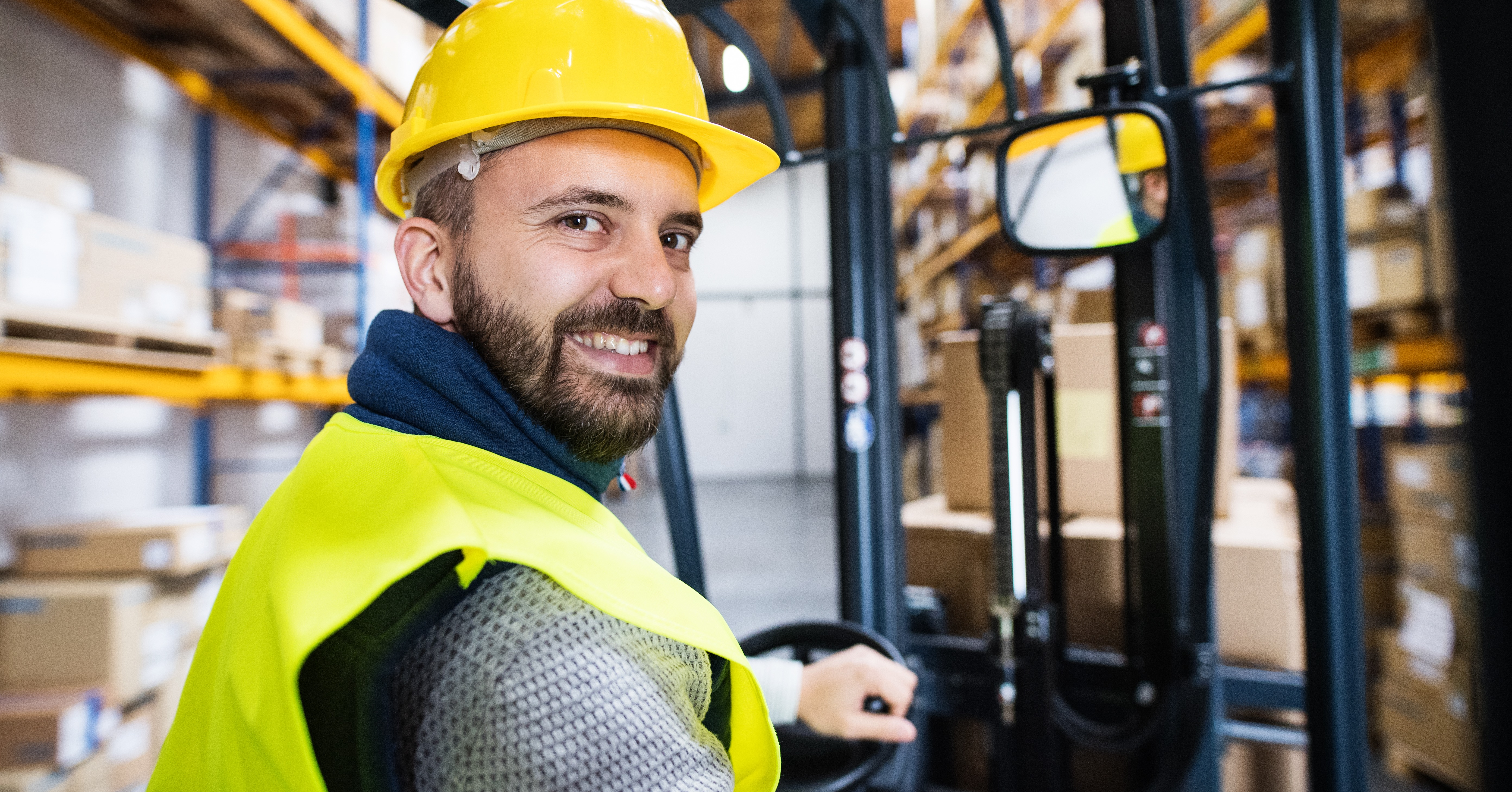 Electric Forklift FAQ: How to Get Great ROI and Cut Material Handling Costs